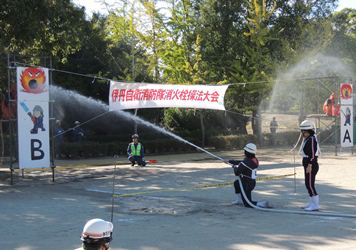 屋内消火栓操法20131017